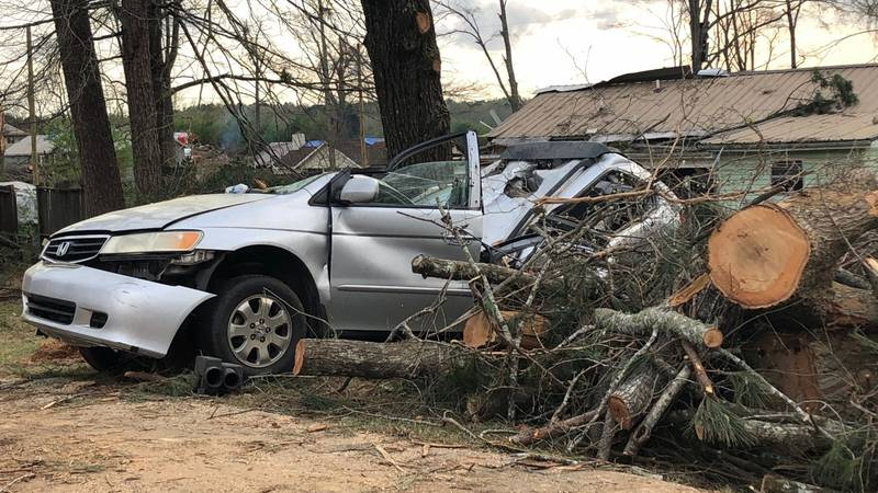 Tornado damage in Columbiana