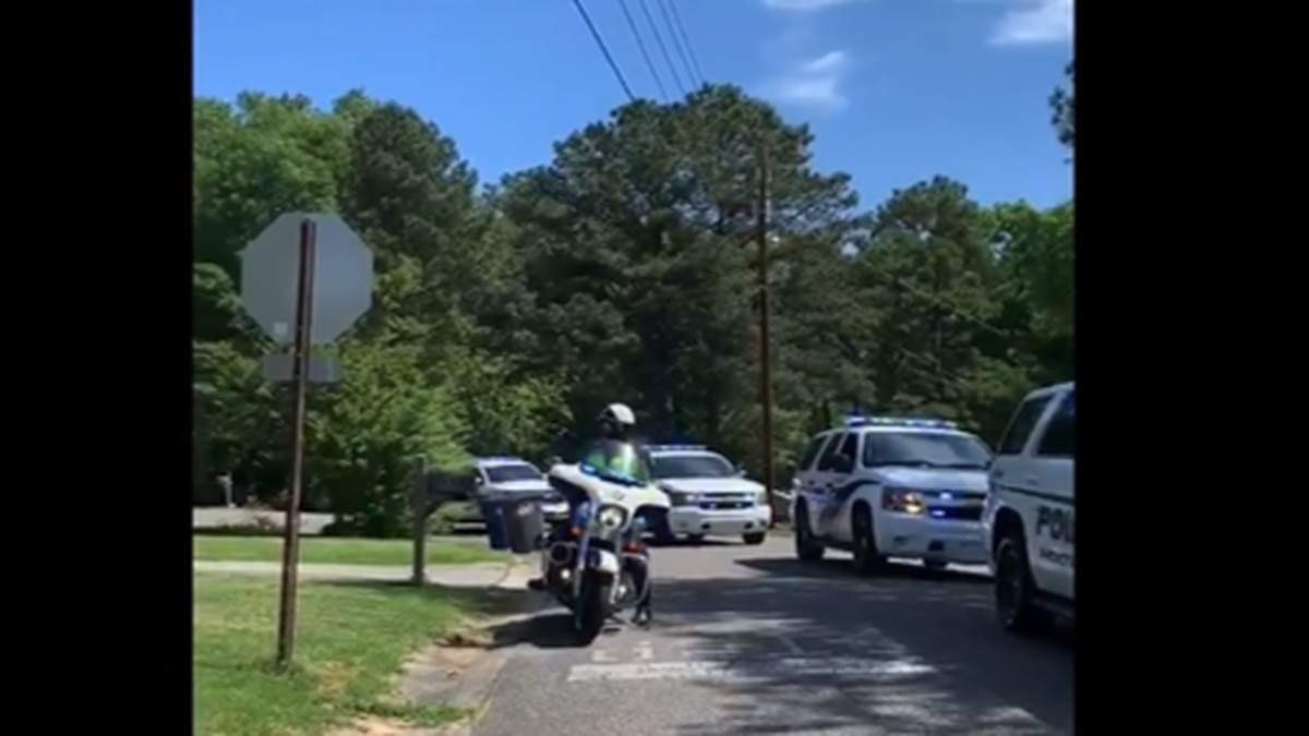 Police parade for 3-year-old's birthday