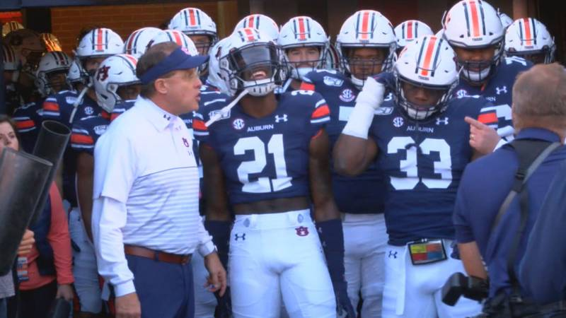 The Auburn Tigers prepare to take the field ahead of a matchup against the Georgia Bulldogs...