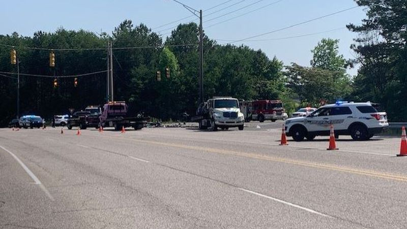 2 people killed in accident on Derby Pkwy