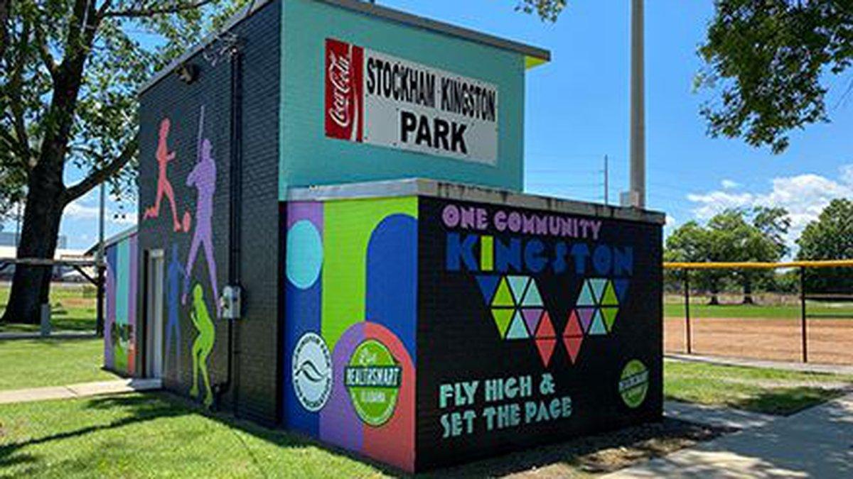 Live HealthSmart Alabama mural in Stockham Park