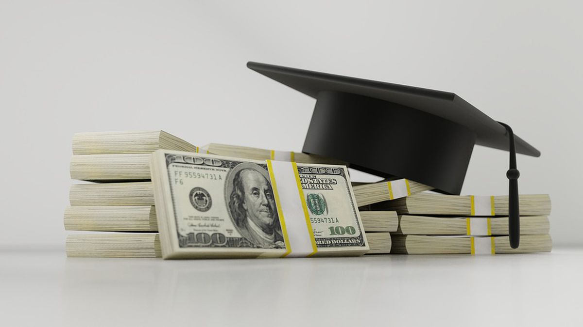 The Pinebelt Foundation announced the recipients of three scholarships to students in the area.