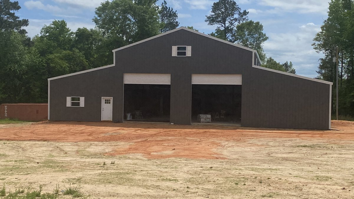 Couple in Wetumpka moves into barndom