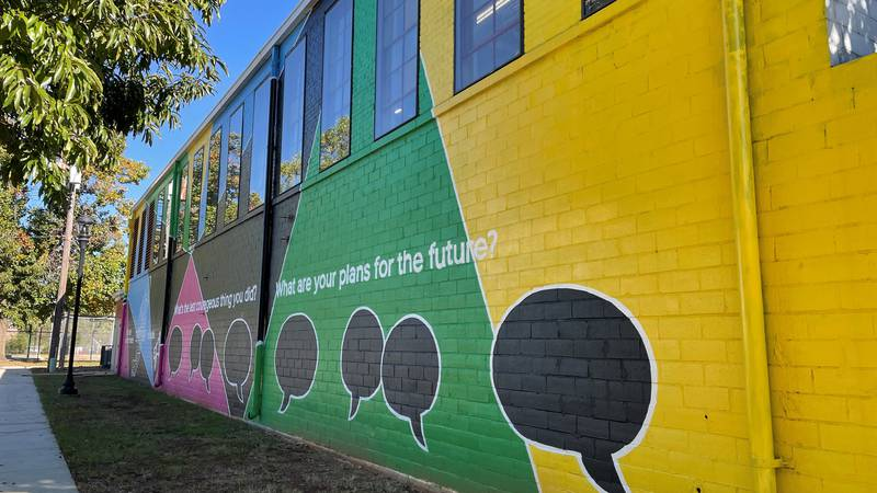 Painting a Movement: Live HealthSmart Alabama  murals in Kingston and Titusville reenergize...