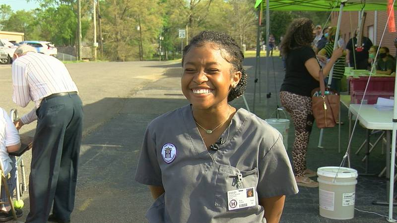 Hueytown High School students partner with pharmacy on vaccination efforts