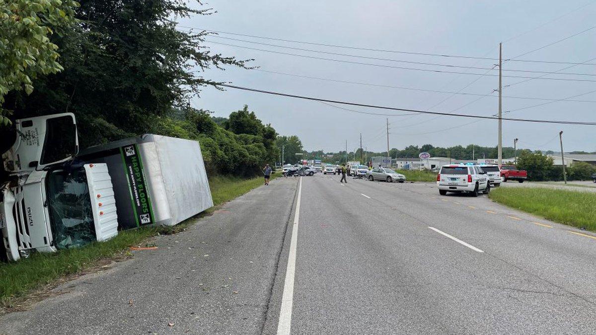 Highway 79 wreck in Pinson.