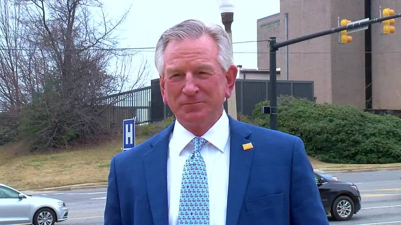 Sen. Tommy Tuberville stops in Birmingham to get an update on the COVID-19 crisis