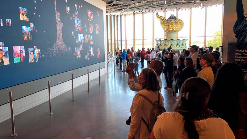 Liberty Island Visitors Share Their Experience over Wi-Fi from Cambium Networks