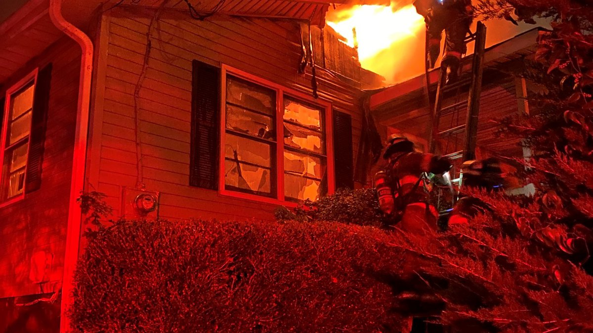 Tuscaloosa firefighters responded to a house fire on 4th Place East early Monday morning.