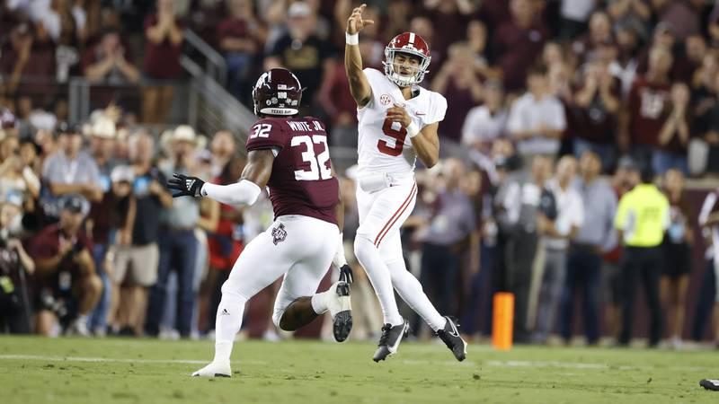 10/9/21 MFB Alabama vs Texas A&MAlabama quarterback Bryce Young (9)Photo by Kent Gidley