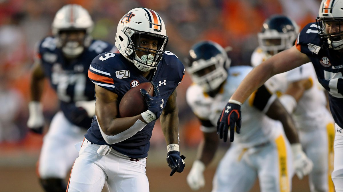 Auburn's Kam Martin scores the second touchdown of the first half.Auburn Football homecoming...