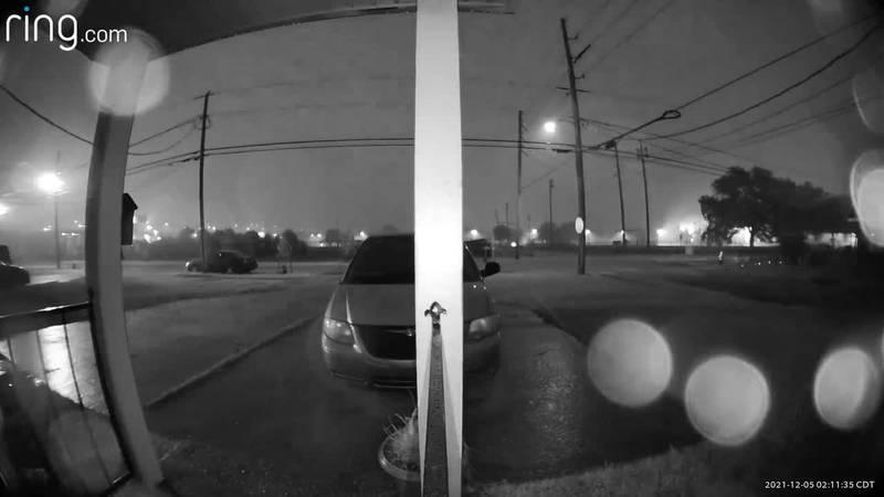 Doorbell camera captures possible tornado in Algiers