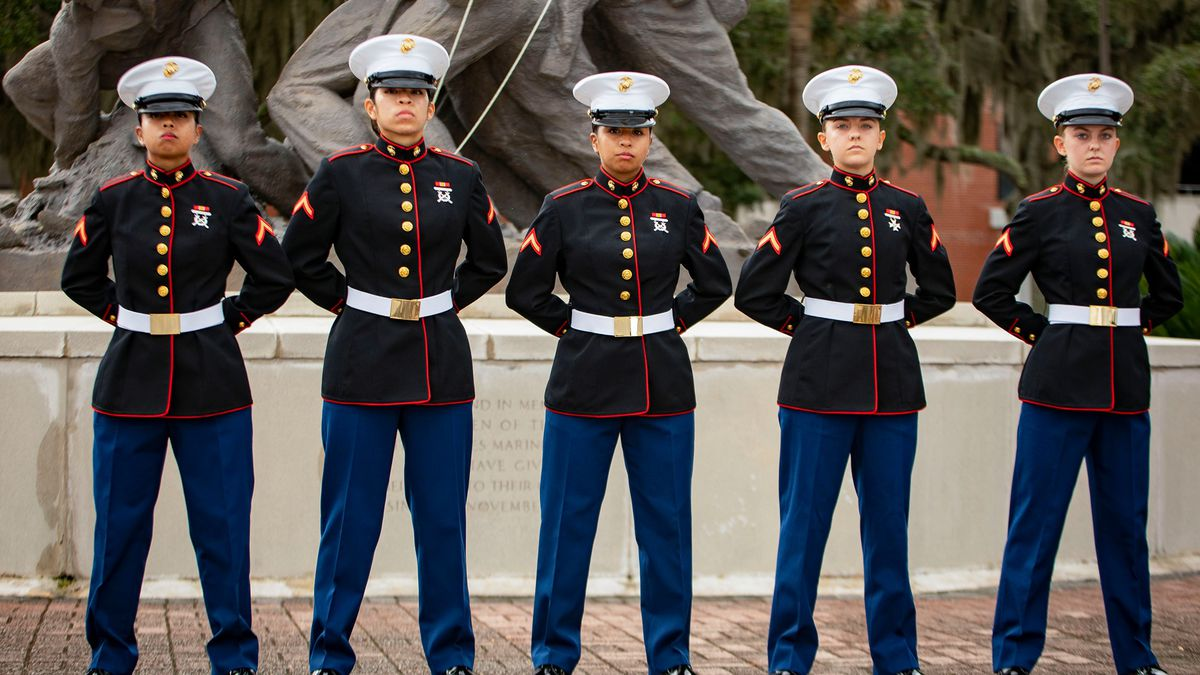A pair of sisters have graduated recruit training at Parris Island in South Carolina.