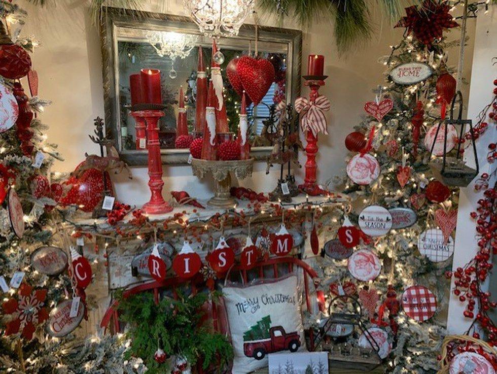 Pine Hill Farms at Christmas.