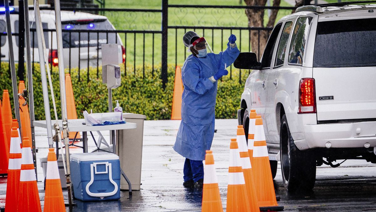 UAB holds a COVID-19 testing site Monday.